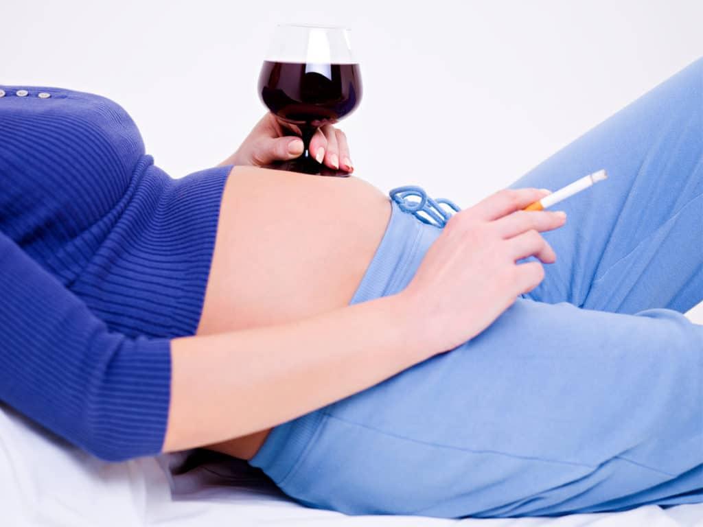 Вредные привычки у беременных