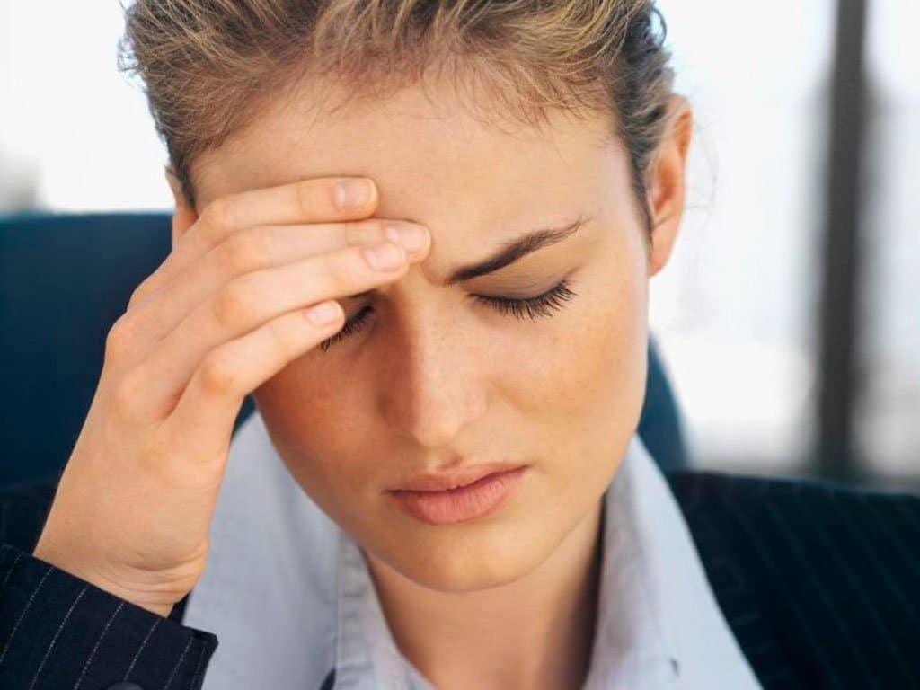 Первые признаки опухоли головного мозга у женщин и мужчин