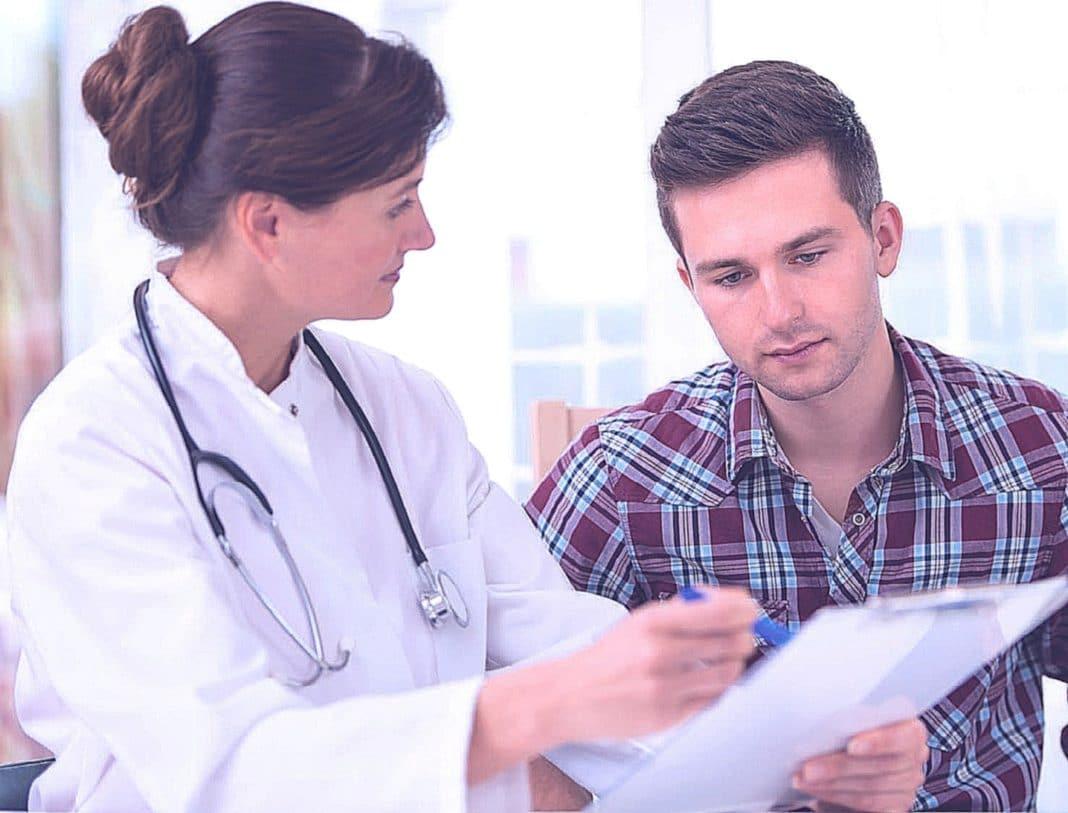 Что думают врачи, о том, как надо вести  себя с пациентом при смертельном диагнозе?