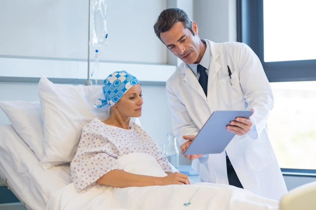Рак не передается от человека к человеку