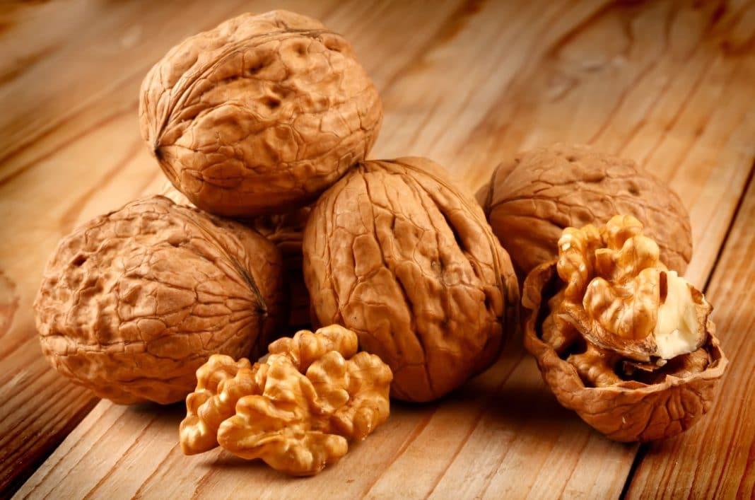 Регулярное употребление грецких орехов является хорошей профилактикой рака груди
