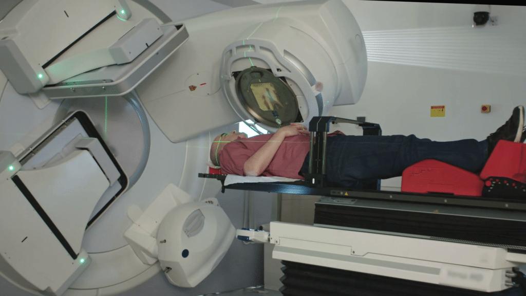 Фото процедуры бесконтактной радиотерапии